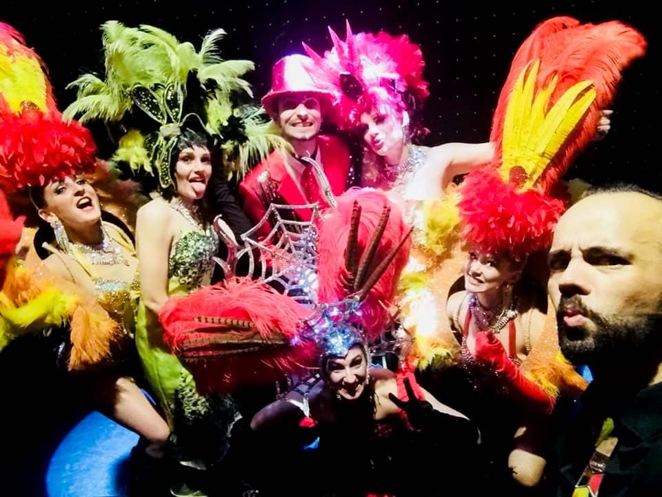 Dîner spectacle VAR L'EQUIPE du cabaret la cour royale var Dîners-spectacles